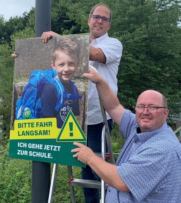 """Aktion """"Sicherer Schulweg"""" der Dorfvereine                   Nuttlar und Ostwig"""