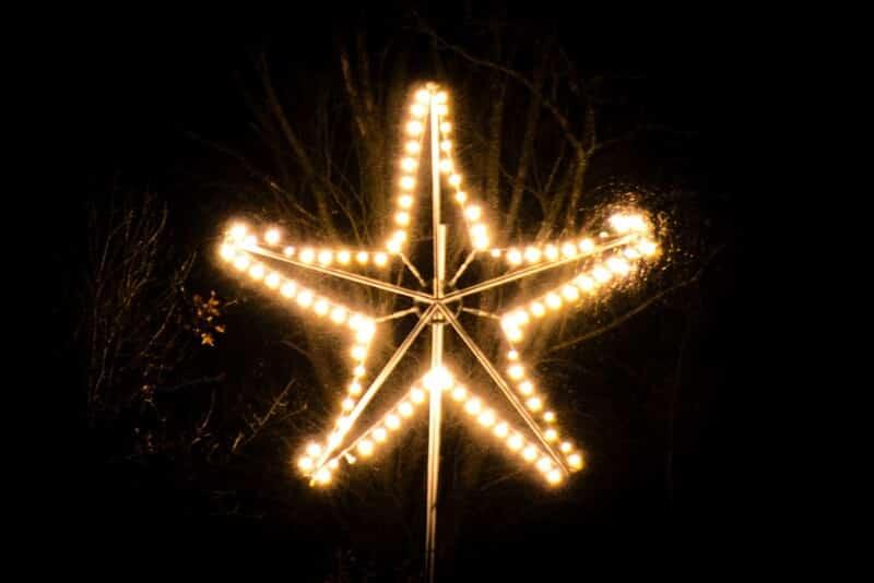 Der Stern als christliches Symbol über dem Ruhrtal